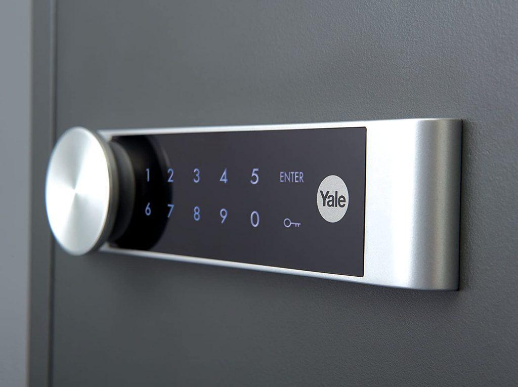 Photo du clavier tactile du coffre-fort Yale YFM/520/FG2